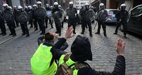 باشگاه خبرنگاران - درگیری پلیس با جلیقه زردها در دومین شنبه سیاه پاریس + فیلم