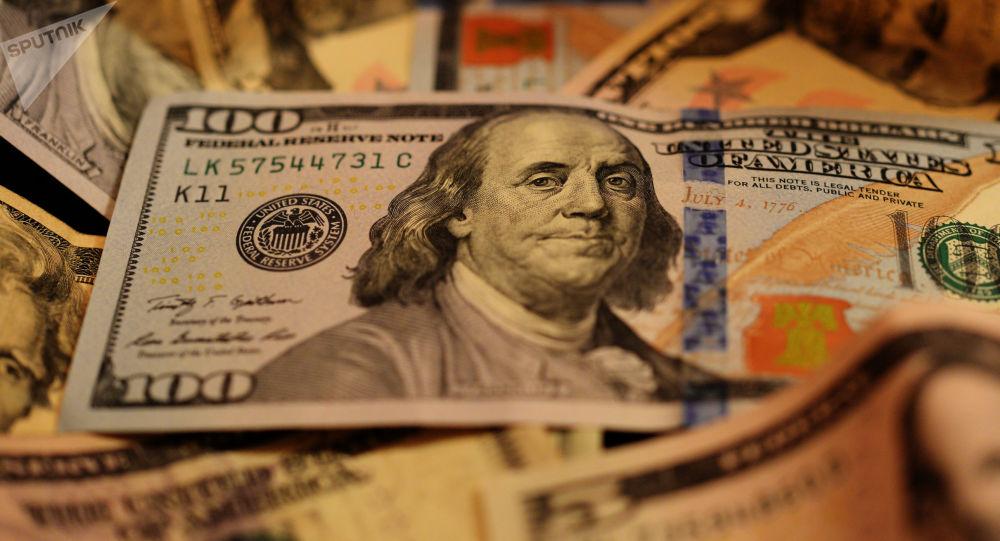 بازگشت دلار به ایستگاه 9 هزار تومانی/