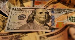 بازگشت دلار به ایستگاه ۹ هزار تومانی/ هیچ صرافی دلالان را حمایت نمیکند