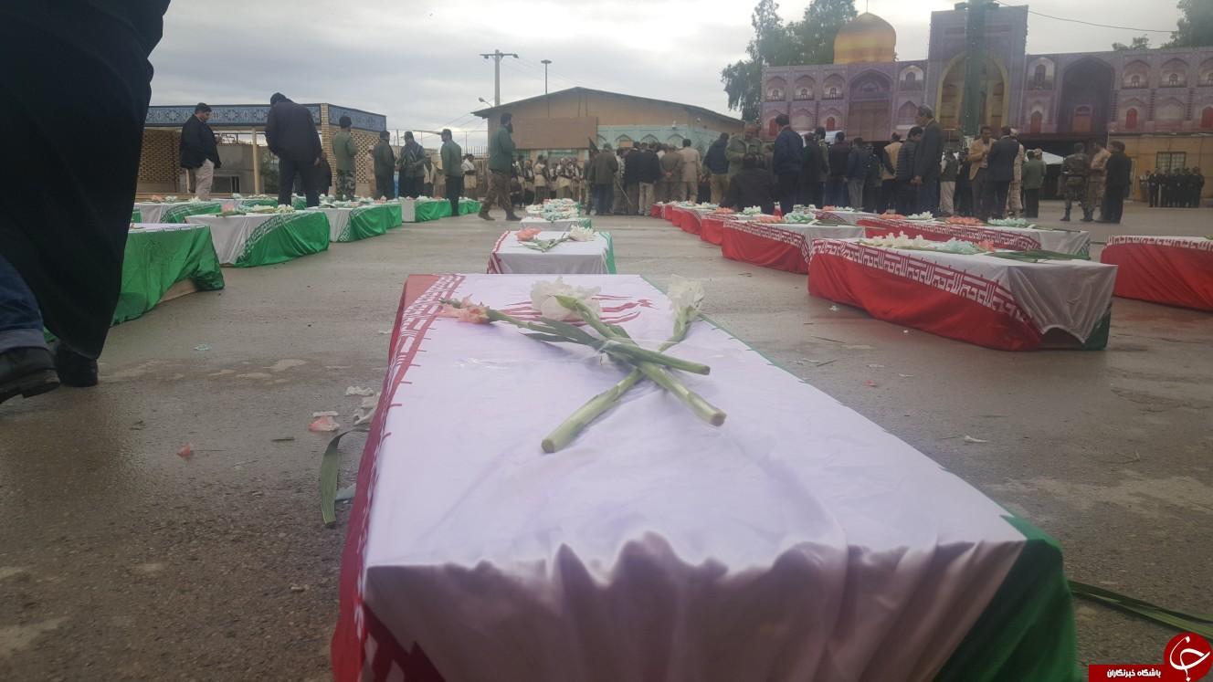 پیکرهای مطهر 46 شهید دفاع مقدس از مرز مهران وارد خاک کشور شد +تصاویر