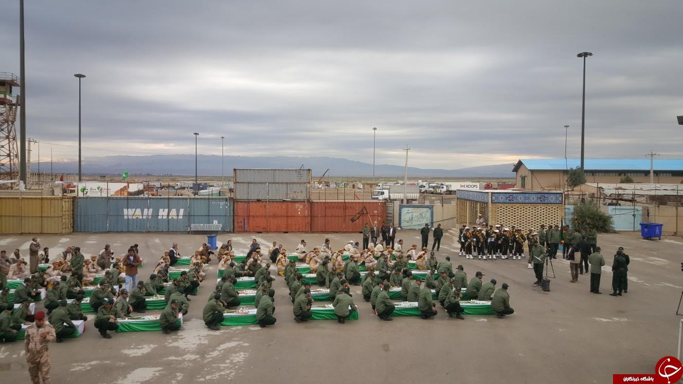 پیکرهای مطهر ۴۶ شهید دفاع مقدس از مرز مهران وارد خاک کشور شد +فیلم و تصاویر