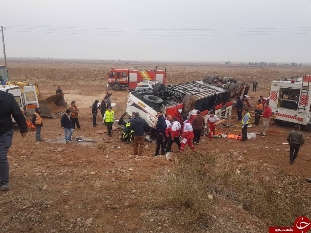 واژگونی اتوبوس مسافربری در محور گرمسار به تهران + فیلم