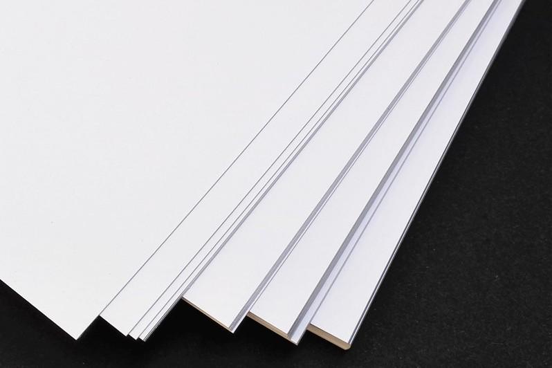 مظنه فروش کاغذ گلاسه در بازار چقدر هست؟
