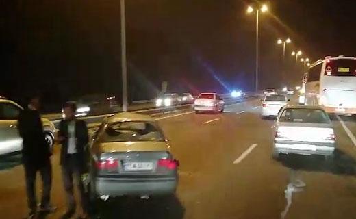 سرعت غیرمجاز سمند در اتوبان تهران - قم حادثهساز شد + فیلم