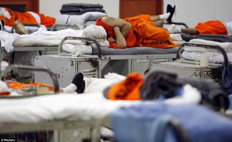 داخل زندانهای آمریکا چه شکلی است؟+تصاویر