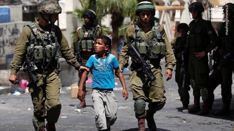 صهیونیستها با کودکان اسیر چه برخوردی دارند؛/کودکانی که به گناه نکرده خود اعتراف میکنند/ تجاوز به عنف در بازداشتگاه!