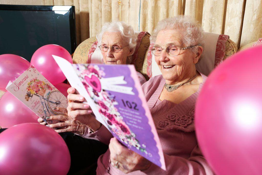 پیرترین دوقلوهای جهان 102 ساله شدند+تصاویر