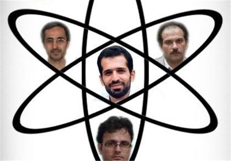 اهتزاز پرچم افتخارآفرینی ایران به دست دانشجویان بسیجی/ دستاوردها و اختراعاتی که تیر دشمنان را به سنگ زدند