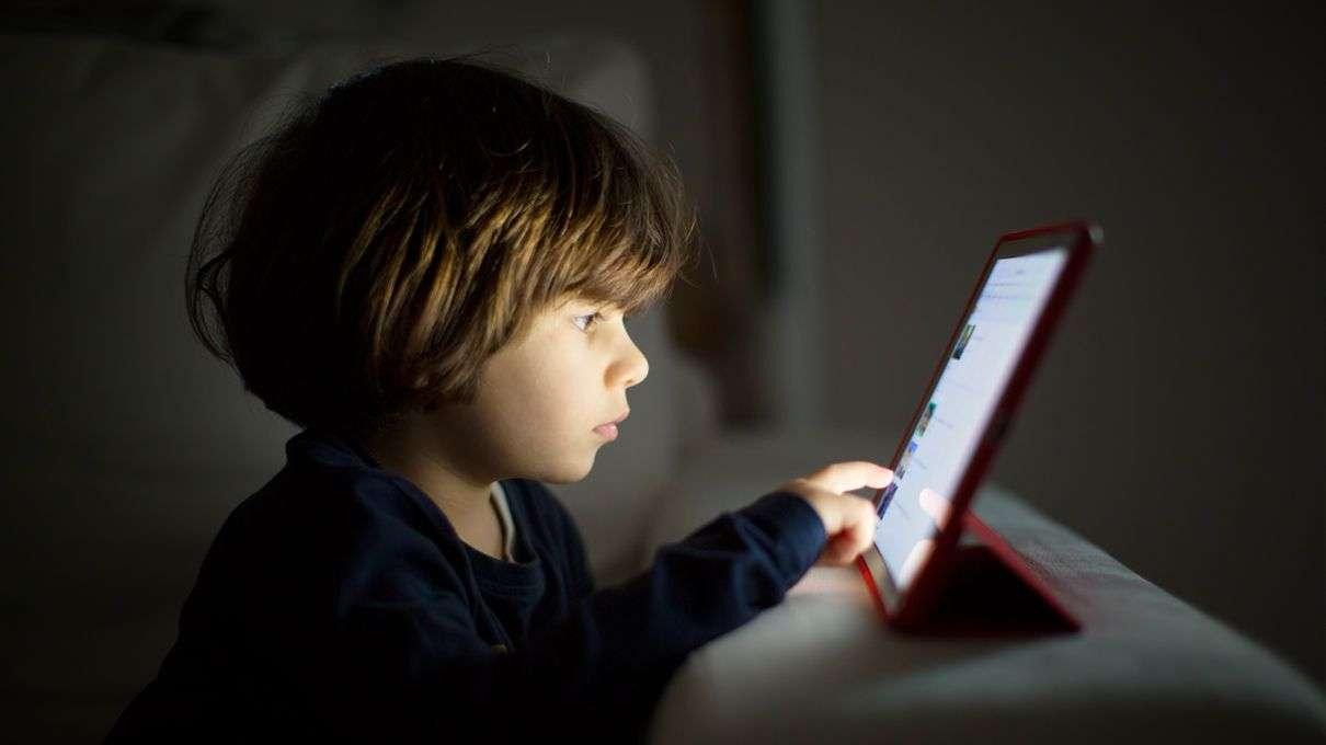 کودکان از فیلم های تخیلی اثر می گیرند