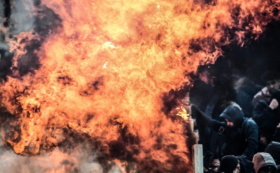 جشن صعود آژاکس در یونان/ویکتوریاپلژن نبرد سوم شدن را از زسکا برد