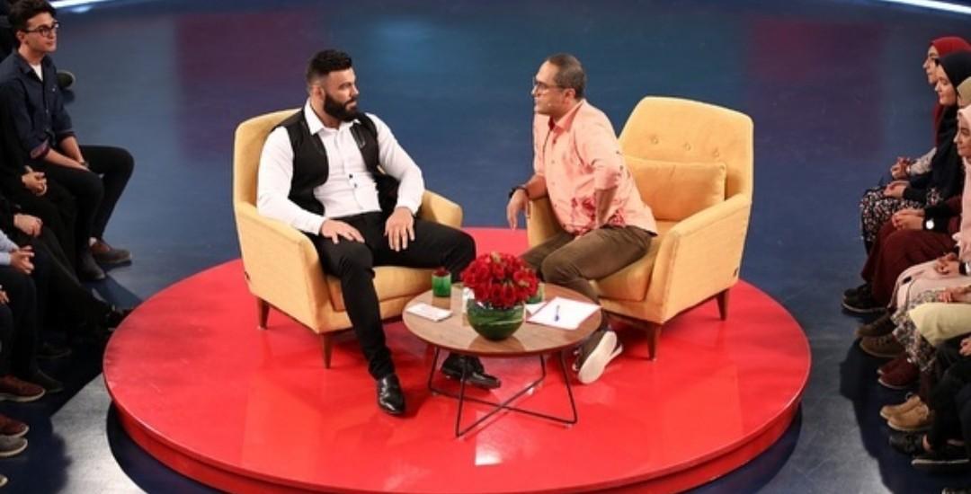 دعوت مبارزه جناب خان از قهرمان هنرهای رزمی/ علیاکبری: مدیران ورزشی تخصصی و حرفهای نیستند