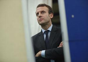 سنای فرانسه از ۳ نفر از نزدیکان مکرون شکایت میکند