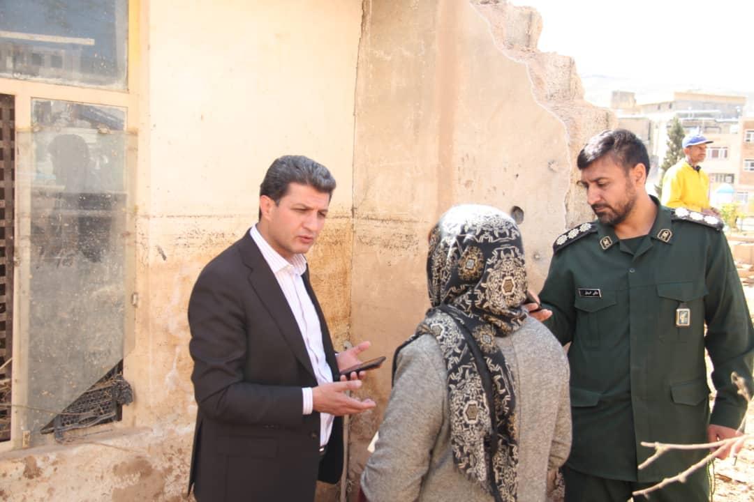 کمک ۵۰۰ میلیون ریالی سپاه و شرکت بازارگستر پگاه به سیلزدگان شیراز