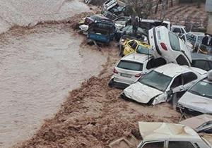 تعمر خودروهای آسیب دیده از سیل در شیراز