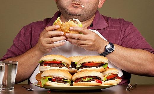 علل سوزش معده/ همراه غذا چه بخوریم؟