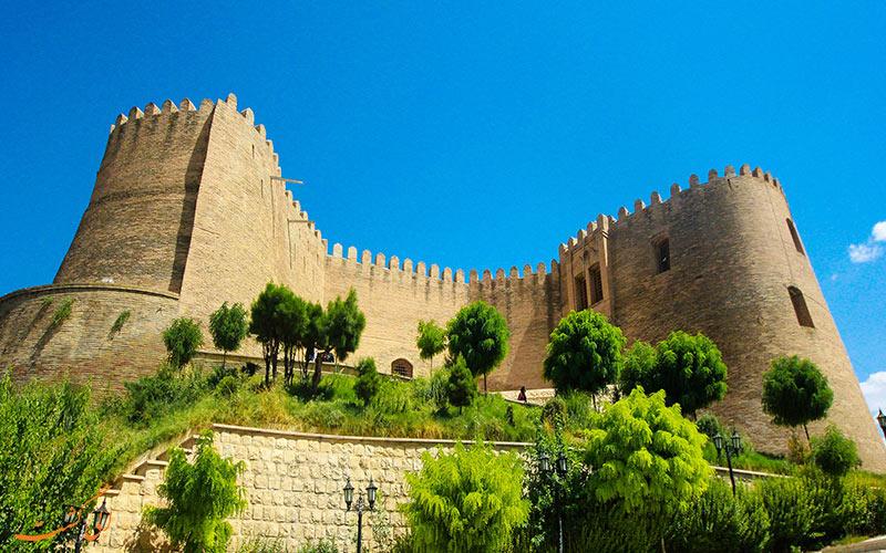 خطر بیخ گوش قلعه تاریخی «فلک الافلاک»