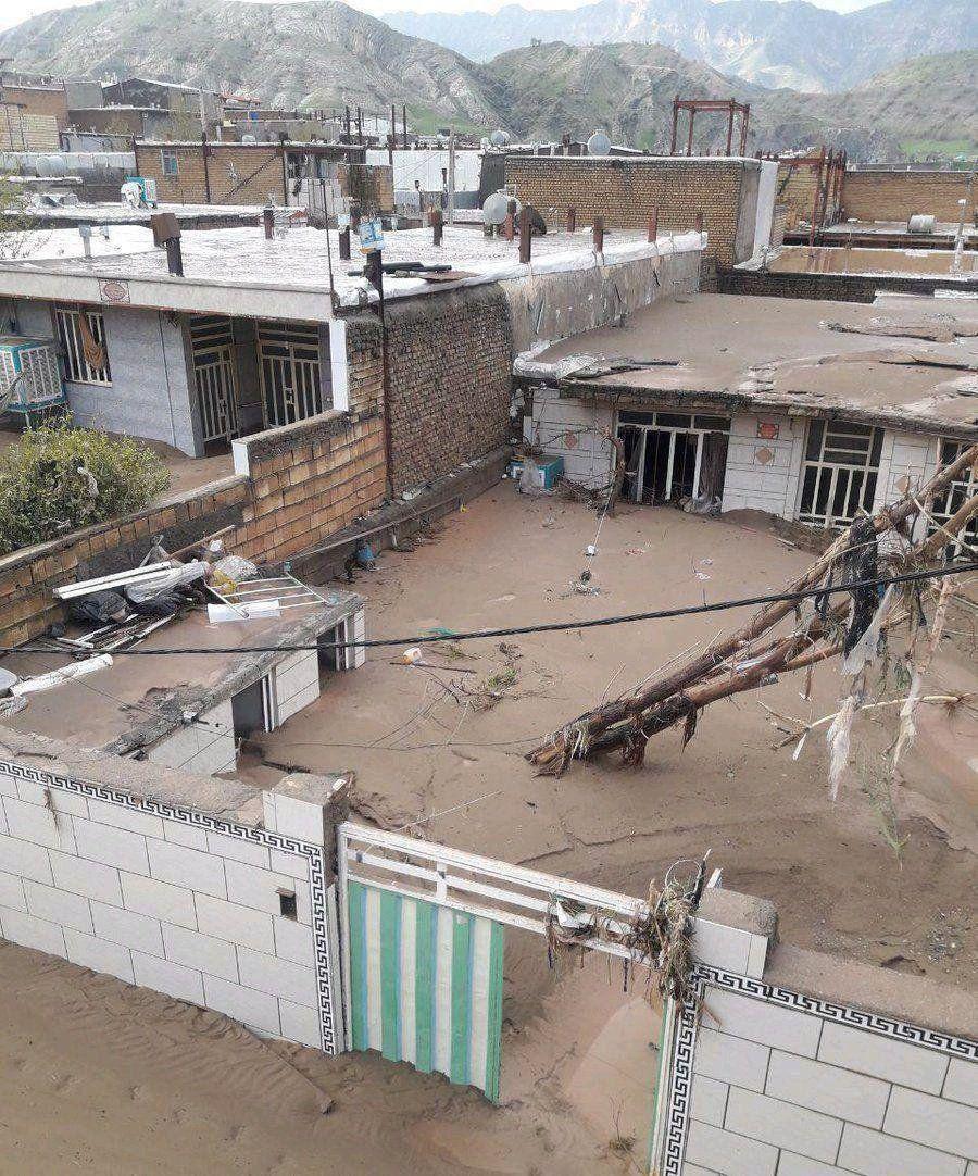 آخرین اخبار از مناطق سیل زده در استانها پنجشنبه ۱۵ فروردین/لاریجانی:تصمیم گیری برای پرداخت خسارت سیلابها در جلسات قوای سه گانه +عکس