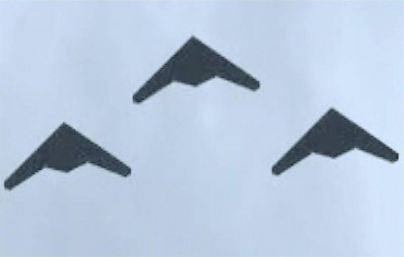 زیر و بم دستاورد جدید دفاعی سپاه/ از تاکتیک ویژه پهپادهای بمبافکن تا تمام جادهها که فرودگاه RQ-170 ایرانی شد + تصاویر