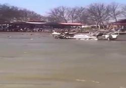 لحظه مرگبار واژگون شدن قایق تفریحی در رودخانه دجله + فیلم