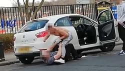 صحنه زنندهای که پسر جوان در خیابان رقم زد! +فیلم