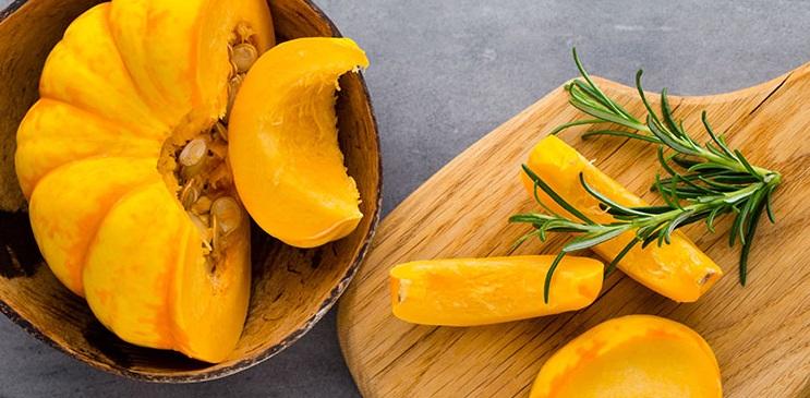 (دانستنی) گیاهی شگفت انگیز برای رهایی از سرطان رحم/ عرقی عالی برای درمان اسهال/ بادام را در رژیم غذایی فراموش نکنید