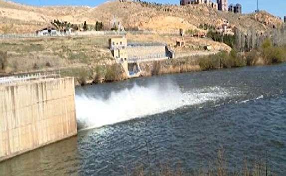 باشگاه خبرنگاران - رهاسازی ۱۶۷ میلیون متر مکعب آب از سد مهاباد