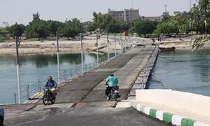 نصب پل شناور توسط گروه مهندسی۴۲۲ اهوازبا دستور دریادار سیاری