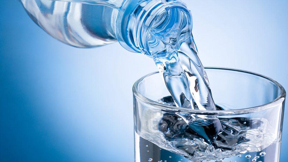 آب؛ نوشیدنی حیاتی برای بدن/ لزوم مصرف آب در افراد چاق