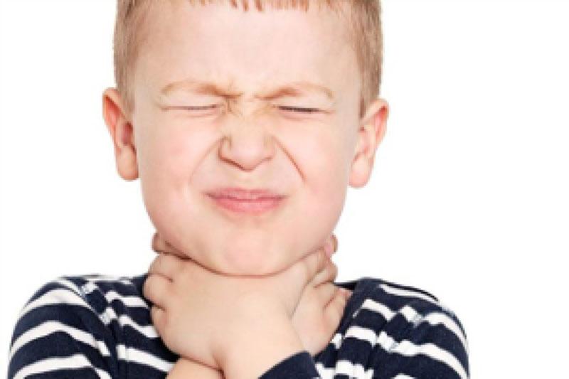 درمان گلودرد با «شربت سماق» / این نوشیدنی بی نظیر دهان شما را خوشبو میکند