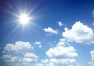 آسمان قم نیمه ابری است