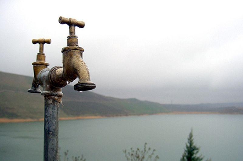 گلولای عامل قطعی آب برخی از مناطق شهر پلدختر؛ مردم به شایعات توجه نکنند