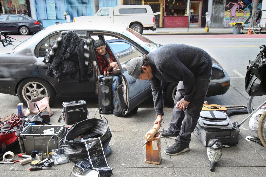 زبالهگردی سرباز آمریکایی جنگ خلیج فارس در محله اعیانی سانفرانسیسکو + تصاویر