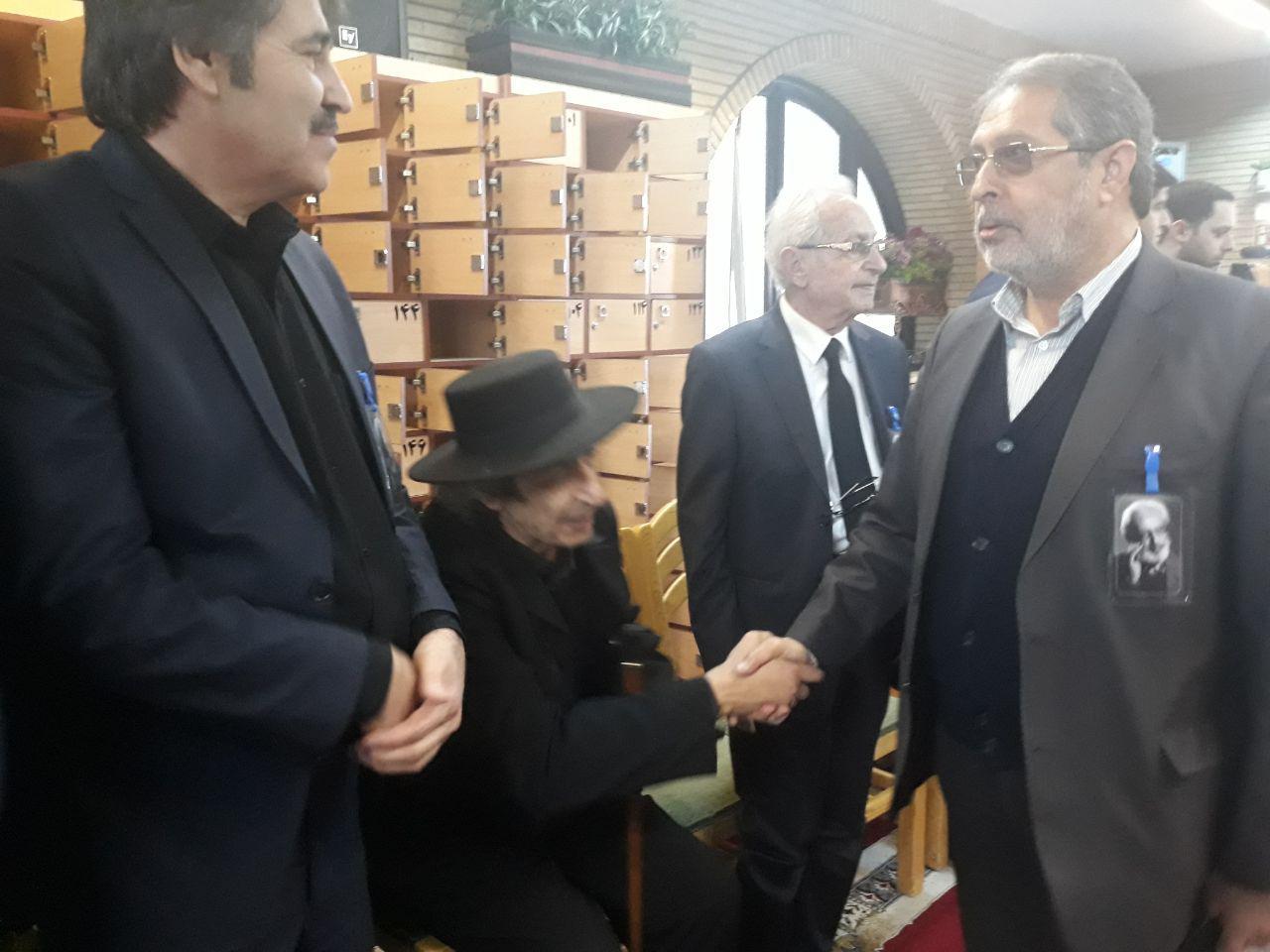 آغاز مراسم بزرگداشت جمشید مشایخی در مسجد بلال صدا و سیما