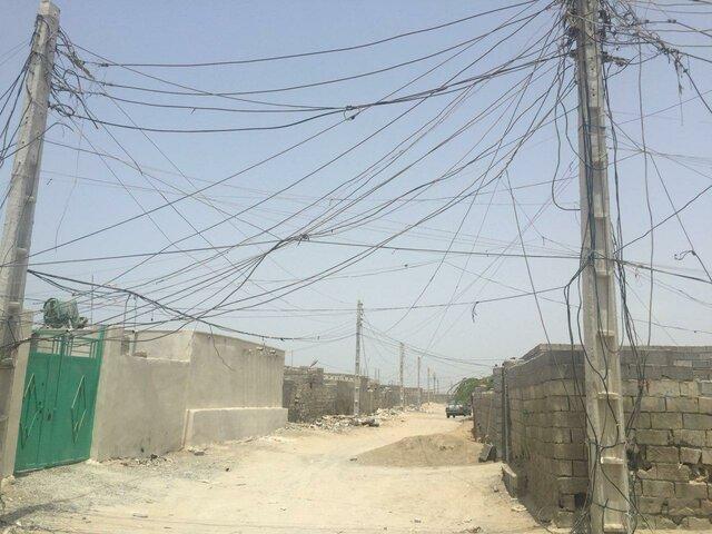 برق ۲ روستای چابهار از شب گذشته تاکنون همچنان قطع است