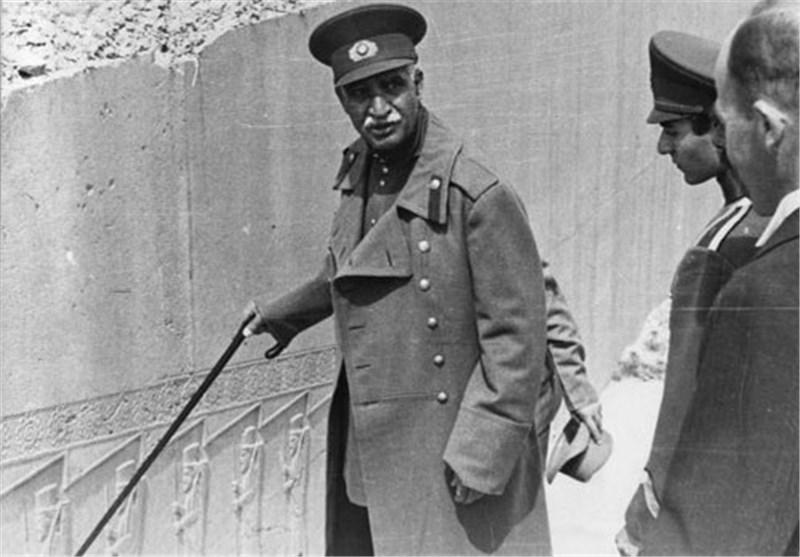 وابستگی تحقیرآمیز  حکومت پهلوی به بیگانگان
