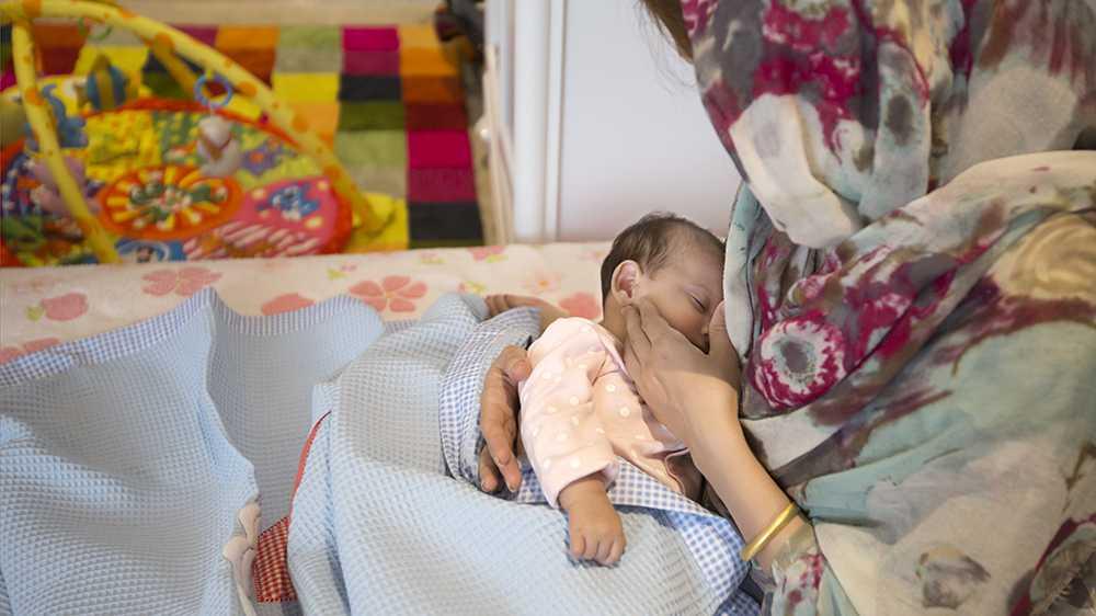 سرطان پستان، بیماری که زندگی را به کام خانمها تلخ میکند/ میتلایان میتوانند مجدد بارداری و شیردهی داشته باشند؟