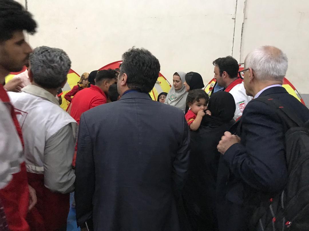 آخرین اخبار از مناطق سیلزده یکشنبه ۲۵ فروردین ماه/چهار محور ارتباطی اصلی کرمان مسدود شد/ ترمیم۷۰کیلومتر سیل بند در بخش اسماعیلیه اهواز +فیلم و تصاویر