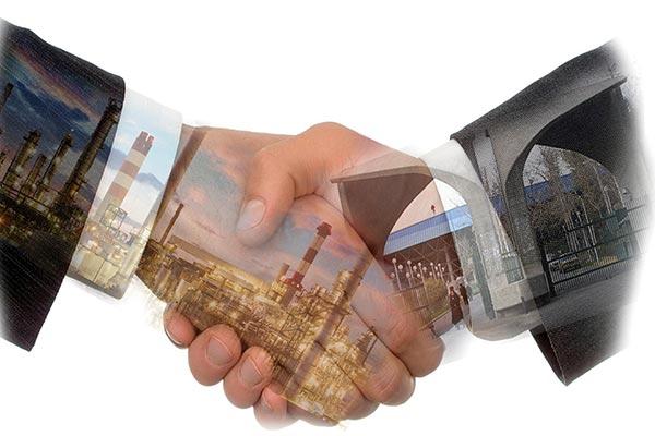 تعامل دانشگاه و جامعه عامل رونق تولید/ توسعه تولید ملی کلید حل مشکلات کشور