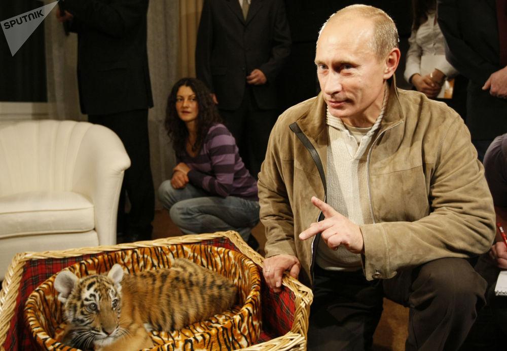 هدایایی که ولادیمیر پوتین را سورپرایز کرد+تصاویر