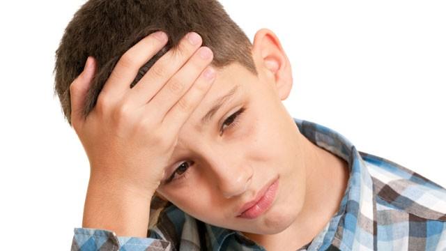 ۸ سردردی که باید جدی گرفته شود