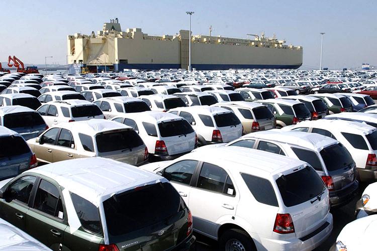 واردات خودروها دپو شده در گمرک منوط به تایید وزارت صنعت