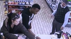 صاحب فروشگاه دزد جوان را شرمنده کرد! +فیلم