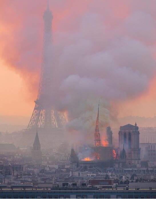 تصویری متفاوت از لحظه آتش سوزی پاریس