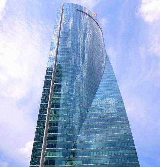 تخلیه چهارمین برج بلند اسپانیا پس از دریافت پیام بمب گذاری