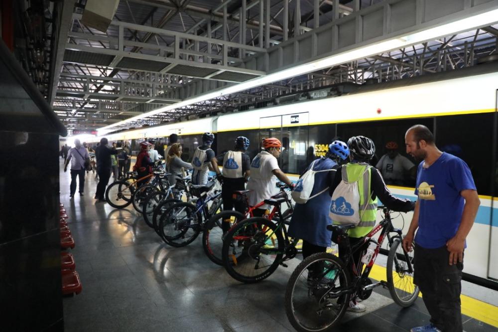 پای دوچرخهها به ایستگاههای مترو تهران باز شد