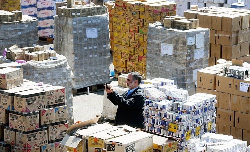 پیشنهاد توزیع کالاهای دپو شده در انبار اموال تملیکی بین سیلزدگان