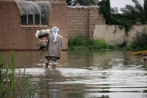 کمک ۴۰۰ میلیون ریالی مرکز غیردولتی به سیل زدگان خوزستان