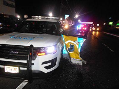 تصادف، به دلیل باز کردن ناگهانی در خودرو توسط افسر پلیس + فیلم