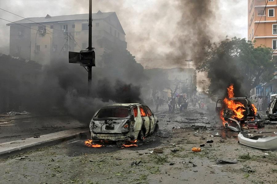 ۹ کشته و زخمی در انفجار خودروی بمب گذاری شده در موگادیشو