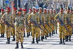 رژه خدمت در استانهای سیلزده برگزار شد/ رونمایی از تجهیزات ارتش قدرتمند جمهوری اسلامی ایران